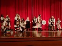 NEŞET ERTAŞ - 'Zafere Götüren Analar' Adlı Tiyatro Oyunu Kırşehir Halkı İle Buluştu