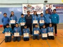 KAYHAN - Badmintonda Malatya Kız Ve Erkek Takımları Birinci Oldu