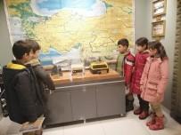 FATMA ŞAHIN - Öğrenciler Eğitim Tarihi Müzesini Gezdi