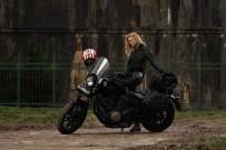 WİLMA ELLES - Ünlü Oyuncu Wilma Elles'ten Motosiklette Güvenli Sürüş Uyarısı