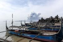 FILIPINLER - Filipinler'de Taal Yanardağı Hala Aktif