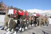 HAKKARI ÜNIVERSITESI - Hakkari'de Eğitim Kazasında Şehit Olan Askerler İçin Tören Düzenlendi