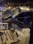 ARAÇ PLAKASI - Hatay'da Trafik Kazası Açıklaması 2 Yaralı