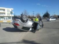 SAKARYA CADDESİ - Otomobil Takla Attı Açıklaması 2 Yaralı