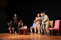 ATATÜRK KÜLTÜR MERKEZI - Turgutlu'da Çocuk Tiyatro Ekibine Büyük Alkış