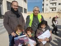 AZEZ - Ülkelerinde Mülteci Olan Suriyelilere Türkiye Sahip Çıkıyor