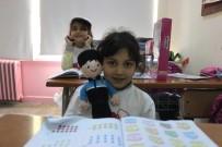 YıLBAŞı - Yazmayı Öğrenince İlk Tebrik Kartını Emniyet Genel Müdürüne Gönderdi, Okuluna Hediye Yağdı