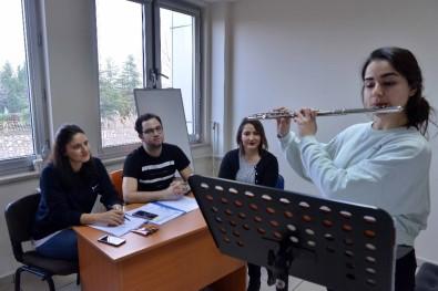 Büyükşehir Konservatuvarı'nda Sınav Heyecanı Yaşandı