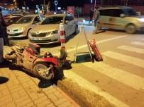 ŞIRINEVLER - Motosiklet İle Otomobil Çarpıştı Açıklaması 1 Yaralı