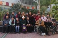 AHMET KURAL - Ayvalıklı Engellilere 'Sinema' Terapisi