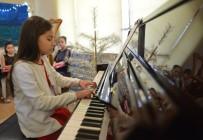 YENI YıL - Yeni Yıl Piyano Konseri Beğeni Topladı