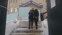 KİMLİK TESPİTİ - Girdikleri İkametteki Şahısları Darp Edip Paralarını Gasp Eden 3 Kişi Tutuklandı