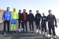 MİLLİ BOKSÖR - Eksi 25 Derece Soğukta Olimpiyat Oyunları'na Hazırlanıyor