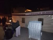 FARUK ÇELİK - Şehzadeler Belediyesinden Deprem Bölgesine Çadır Desteği