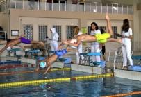 YÜZME - Sivaslı Yüzücüler Derece İçin Kulaç Attı