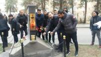 DIYARBAKıRSPOR - Diyarbakırspor'dan Ali Gaffar Okkan'a Karanfilli Anma