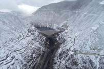 ÇORUH NEHRİ - Deriner Barajı'nın Etkileyici Kış Görünümü