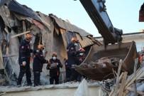 ŞEHADET - Elazığ'da depremin etkileri gün ağarınca ortaya çıktı