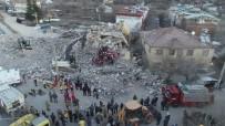 GEZIN - Gezin'de Enkaz Altında Kalan 5 Vatandaştan 2'Si Ölü 3'Ü Yaralı Çıkartıldı