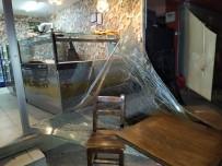 KANUNİ SULTAN SÜLEYMAN - Küçükçemece'de İş Yerinde Tüp Patladı Açıklaması 1 Yaralı