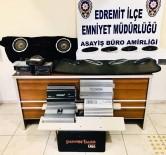 ARAÇ PLAKASI - Otomobillerden Hırsızlık Yapan 3 Kişi Tutuklandı