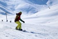 KAYHAN - Van'da Kayak Sezonu Geç Başladı