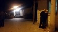 MADDE BAĞIMLISI - İzmir'de Dehşeti Yaşatan Genç Hastaneye Yatmaya İkna Olmamış