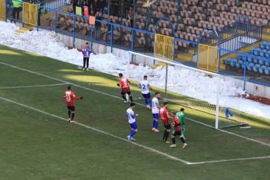 TFF 2. Lig Açıklaması Kardemir Karabükspor Açıklaması 0 - Vanspor Açıklaması 4