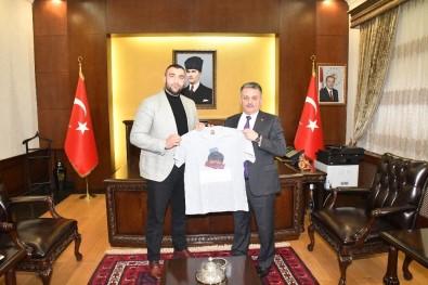Vali Yazıcı, Avrupa Şampiyonu Demirezen'i Kabul Etti