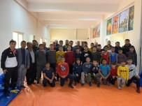 GÜREŞ - Atay Uslu Başpehlivan Orhan Okulu İle Altyapıyı Konuştu
