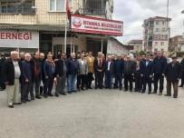 MUSTAFA YAMAN - Başkan Yaman, İstanbul'da Yaşan Bilecikliler İle Bir Araya Geldi