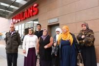 FETHİ SEKİN - Diyarbakır Anneleri Depremzedeleri Ziyaret Etti