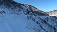UNESCO Koruması Altındaki Macahel'de Kar Kalınlığı 3 Metreyi Buldu