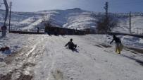 MEHMET KAYA - Gercüş'te Çocukların Kar Eğlencesi