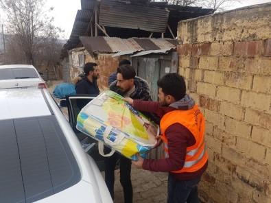 Mardinli Fotoğraf Sanatçısından Depremzedelere Yardım