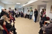 SANAT ATÖLYESİ - Yaşam Köyü'nü Gezerek Yetkililerden Bilgiler Aldılar