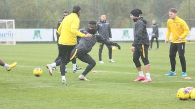 Yeni Malatyaspor 3 Aldı, 3 Gönderdi