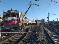 YOLCU TRENİ - Ankara'da Yolcu Treni Raydan Çıktı