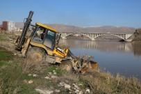 CİZRE BELEDİYESİ - Cizre'de 19 Bin Metrekarelik Alanda Park Çalışması