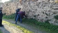 TEOMAN - Emekli Uzman Çavuş Boğazından Bıçaklandı