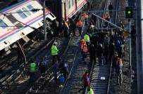 YOLCU TRENİ - Yolcu Treni Raydan Çıktı
