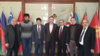 TÜRK DÜNYASI - Eskişehir Kızılelma Turan Derneği'nden Türk Dünyası Vakfı'na Ziyaret