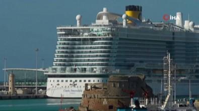 İtalya'da Karantinaya Alınan Yolcu Gemisinden İlk Görüntüler