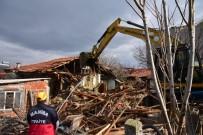 Manisa Valiliği Deprem Hasarının 4 İlçeye Ulaştığını Açıkladı