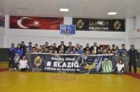 GÜREŞ - Minik Sporculardan Elazığ Ve Malatya Depremine Pankartlı Destek