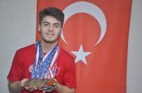 FEDERASYON BAŞKANI - Yaşı 17, Kazandığı Madalya 27