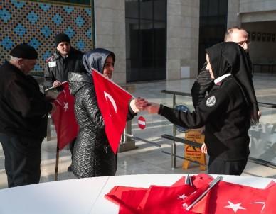 Başkan Alim Işık Açıklaması 'Hiç Kimse Bayrağımıza El Uzatamaz'