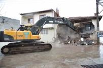 MUSTAFA ÖZDEMIR - Deprem Bölgesinde Çalışmalar Devam Ediyor