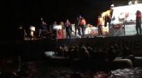 KAÇAK GÖÇMEN - İzmir'de 30 Kaçak Göçmen Yakalandı