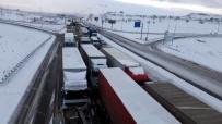 MIMARSINAN - Kayseri-Malatya Karayolu Ulaşıma Kapandı